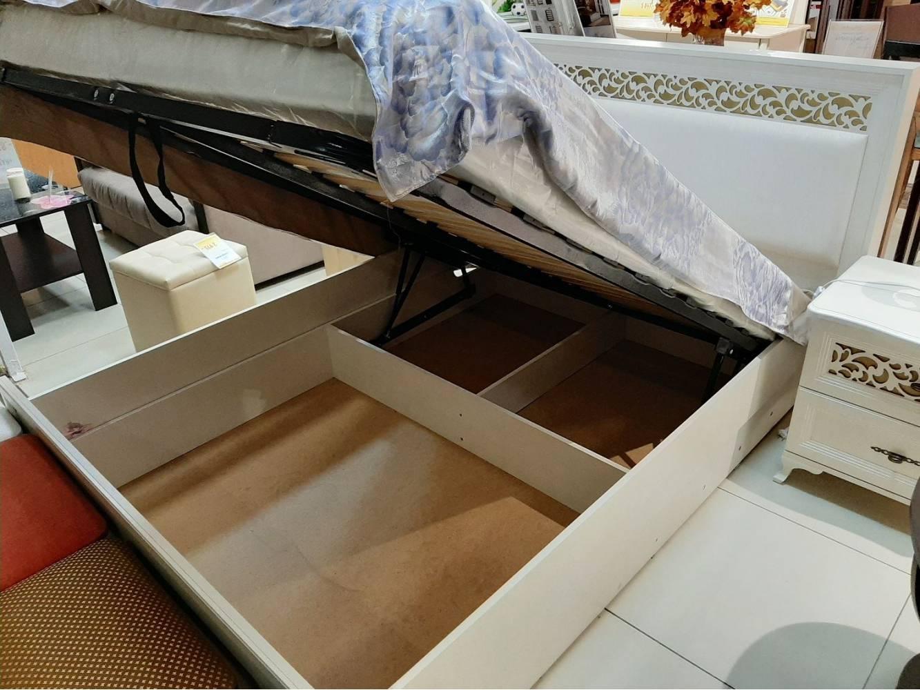 Ливадия Л8б Кровать 180*200 см, без ортопеда, без матраса